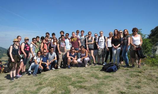 Die Schülergruppe auf dem Monte Sole
