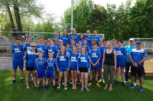 Die Fasutball-Jugend des TV Hohenklingen beim Turnier des TV Neugablonz 2018 mit Trainer und Betreuer Quelle: GHO
