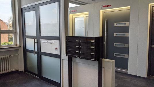 Haustüren für Mehrfamilienhaus und Briefkastenanlagen.