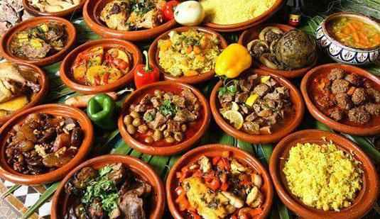 Gerne veranstalte ich mit/bei Ihnen einen Kochkurs (verschiedene Gerichte, orientalisch u.a.); ich bin Gastronom mit Erfahrung und Wissen.