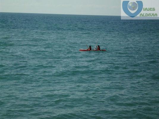 Actividades acuáticas en Pelícanos Grand.
