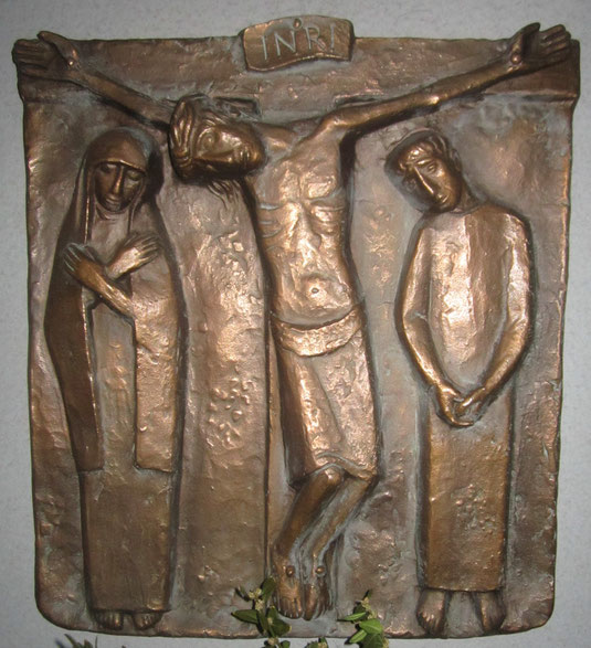 Die Bronze-Skulptur wurde der Garnstock-Kirche testamentarisch von Diözesanhauptinspektor Willy Brüll (+ 2000) vermacht.
