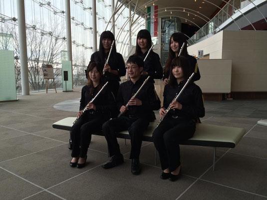 新潟市民文化会館りゅーとぴあで行われた西関東アンサンブルコンテストに、当部からフルート六重奏が出場いたしました。