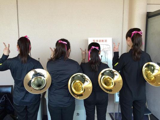 高崎市文化会館において、高崎市アンサンブルコンサートが開催されました。 当部からは、1月25日に行われる西関東アンサンブルコンテストにも出場するフルート6重奏と、ホルン4重奏の二パートが出場しました。