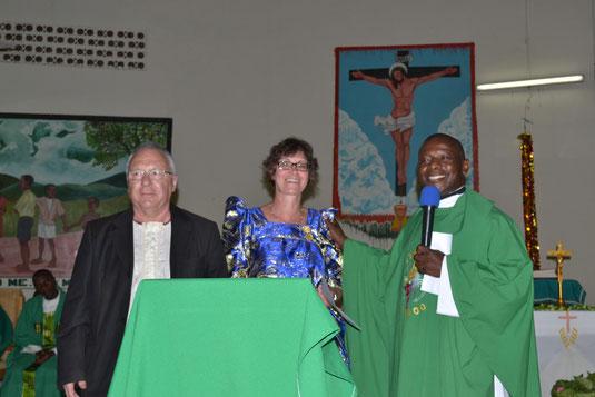 Eröffnungsfeier der Krankenstation in Uganda