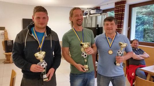 Die Sieger von Saalbach 17: SILBER-GORKA Christian, GOLD-RUINER Christian, BRONZE-FINK Franz (rechts-KNORPEL HEINZI)