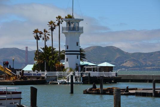 Forbes Island hinter Pier 39