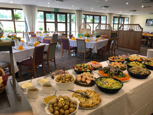 Our clubhouse hospitality team is experienced in arranging private parties, business meetings, wakes and wedding receptions. With ample parking, a quiet location with stunning views, Mid Herts is well placed for private hire, wheathampstead, herts,