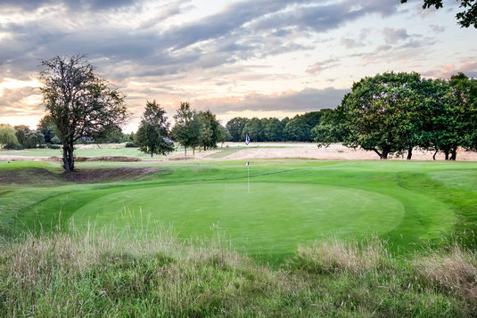 Set in over 120 acres of picturesque heathland and woodland you will be amazed by the quietness of this classic rural location and where its excellent drainage allows for all year round golf.