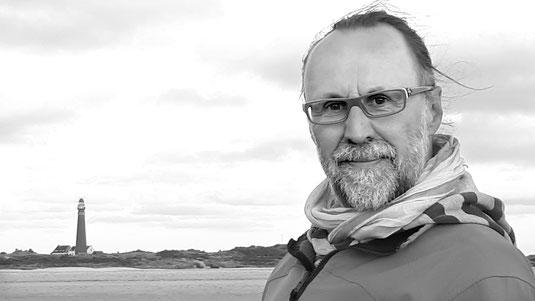 Jörg Klampäckel am Meer und am Strand, Nordsee, schwarz/weiß,