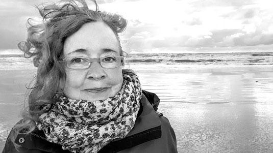 Corinna Becker am Meer und am Strand, Nordsee, schwarz/weiß