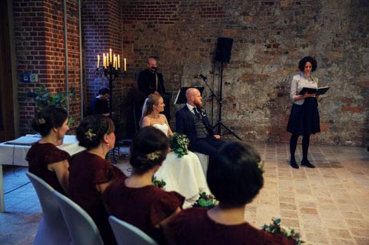 Heiraten in Berlin, Freie Trauung Berlin, Freie Rede Berlin, Freie Trauung Berlin, Freie Hochzeit Brandenburg, Eva Lindner Freie Traurednerin