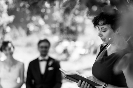 Freie Trauung Baden-Württemberg, Hochzeitsrednerin, Strauß und Fliege, Freier Redner, Hochzeitsblog, Heiraten in Baden-Württemberg