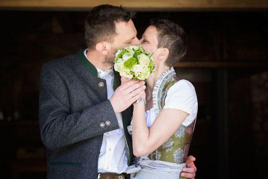Hochzeit Hasenöhr, Freie Trauung, Strauß und Fliege