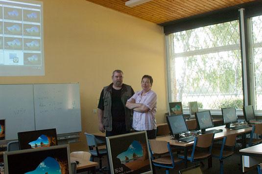 die neuen Dozenten im Computerraum