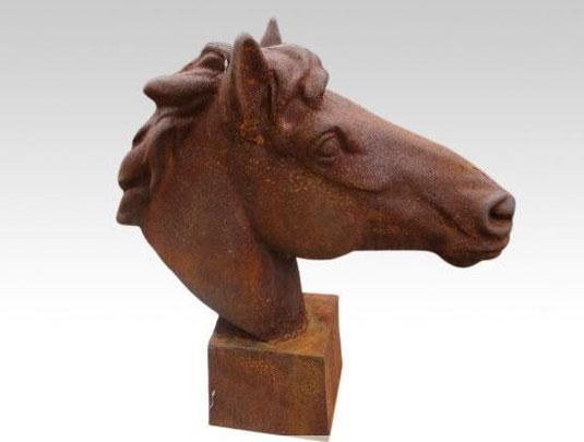 Pferdekopf Skulptur aus Gusseisen