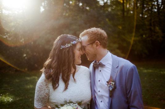 Brautpaar beim Fotoshooting auf Gut Sandheide in Hatten