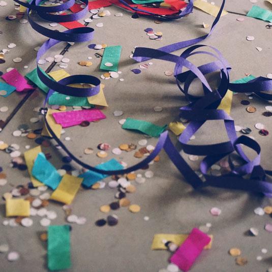 Hochzeit Feier Party Tanzen Confetti