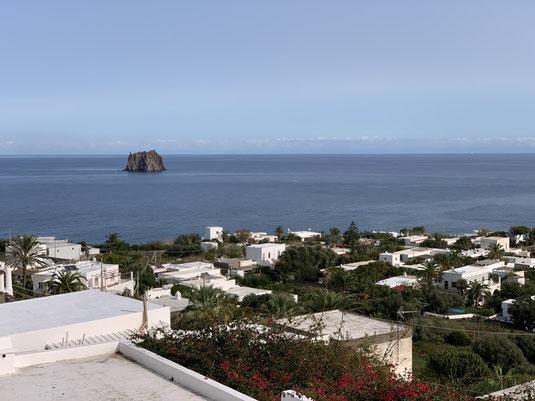Italien, Sizilien, Liparische Inseln, Äolische, Stromboli, Sehenswürdigkeit, schwarzer Strand, Sandstrand, Vulkan, Strombolicchio
