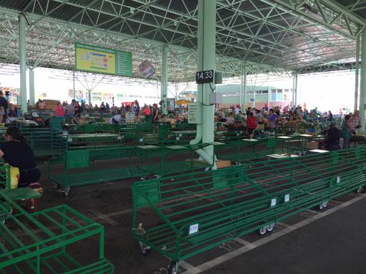 Transnistrien, Tiraspol, Markthalle, Markt