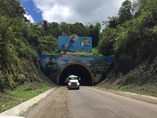 Dom Rep, Santiago, Puerto Plata, Tunnel
