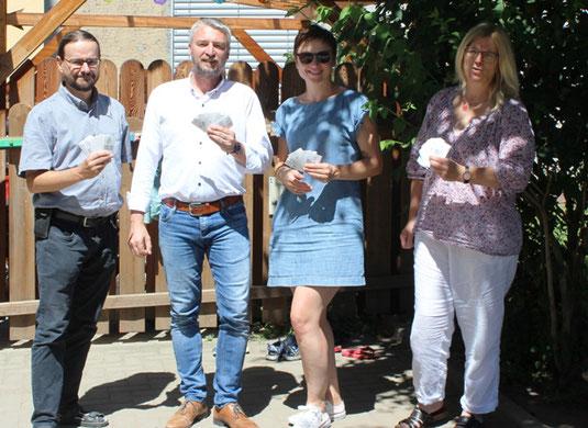 "v.l.n.r.: Thomas Liehr, Ronny Fieber (Lionsclub Jena ""Paradies""), Kathleen König, Ines Kiel (Familienzentrum Jena)"