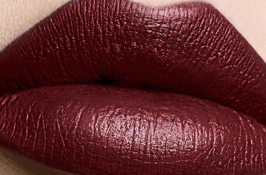 Setzen Sie Ihre Lippen mit Nischenkosmetik von Edward Bess in Szene - Lippenstift | Lipgloss