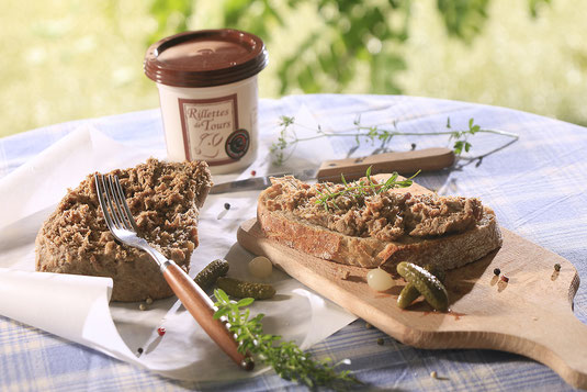 rillettes-de-Tours-Loire-Valley-gastronomy-local-regional-food-products-wine-tasting-wine-tours