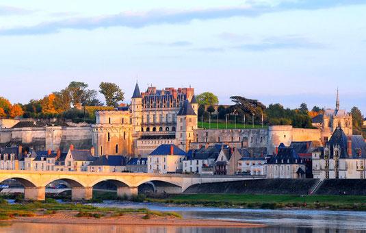 visit-chateau-castle-Loire-Valley-France-Azay-le-Rideau