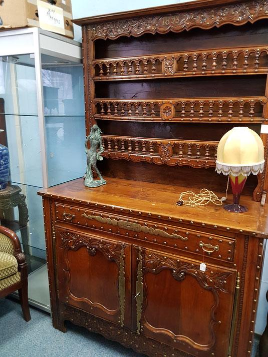 galerie, rabais, déstockage, tableaux, bonnes affaires, gros rabais, meubles, antiquités, chaises, Soldes, sale, sale, vaisselier, galerie Lausanne