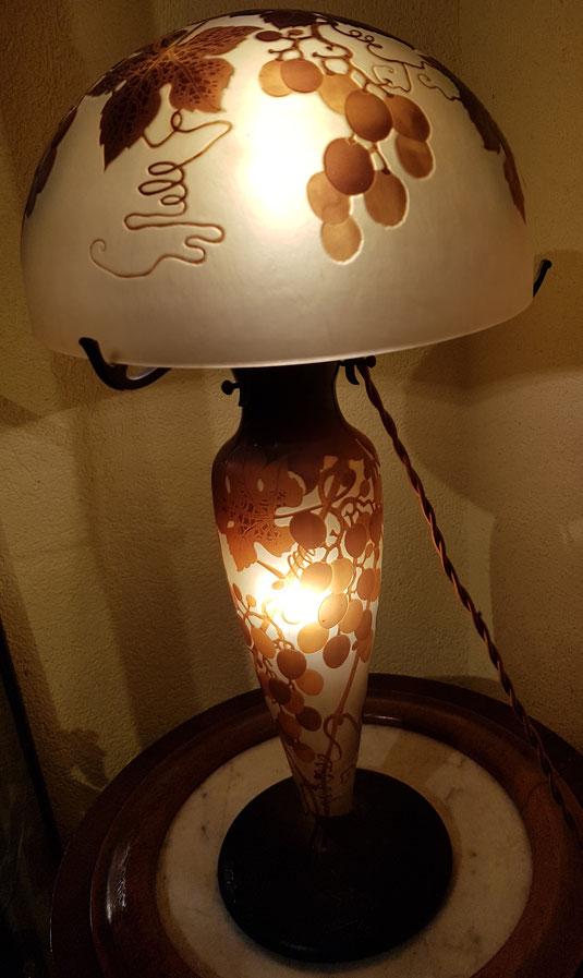 lampe Gallé, lampe D'Argental, Paul Nicolas, art nouveau,Gallé, Daum, Daum frères, New sryle, Jugendstyl,Tiffany, pâte de verre