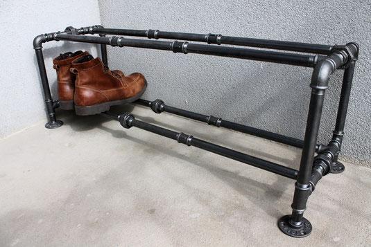 Industrie Design Schuhregal Vintage Schuhablage aus Rohren Industrial