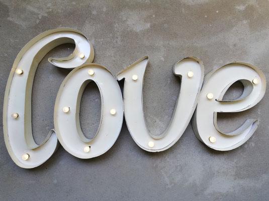 Love LED Leuchtschrift Metall Buchstaben Leuchtbuchstaben Leucht Letters Vintage Design Weiss Hochzeit Deko