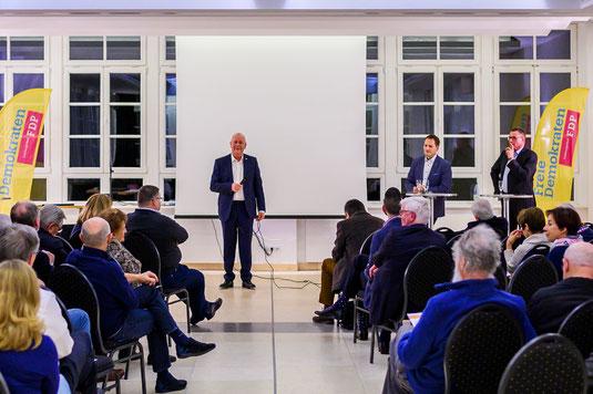 Von Links: Michael Goldschmidt, Moderator; Manuel Höferlin, MDB; Otto Schell, Experte für Digitalisierung