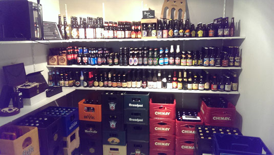Du rouge au vert : plusieurs sorte de bières aligné.