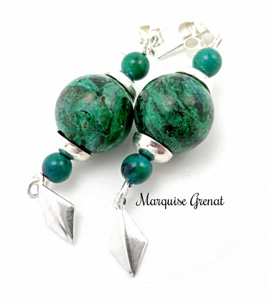photo-de-boucles-d-oreilles-a-clous-losanges-en-argent-et-chrysocolle-vertes-pendants-losanges