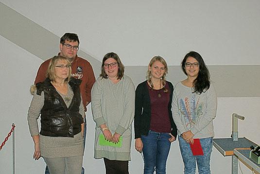 Foto v. links n. rechts: Stlv. Jugendleiter Hilde Gewehr, Jugendleiter Christian Sturm, Vanessa Platz, Alexandra Dennert, Lisa Köth
