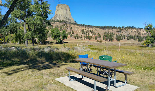 Devils Tower National Monument, Wyoming, Blick vom Belle Fourche River Campground
