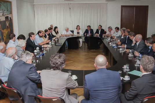 Cabrera se reunió con la gobernadora de Tierra del Fuego con gremios y empresas