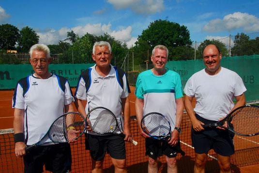 Herren 60 - Konkurrenz - die Halbfinalisten:  Norbert Heinrich / TS Einfeld (1.), Uwe Hess / TSV Gadeland (2.), Peter Huss / TC Wankendorf (4.) und Bodo Wirth / TSV Gadeland (3.)