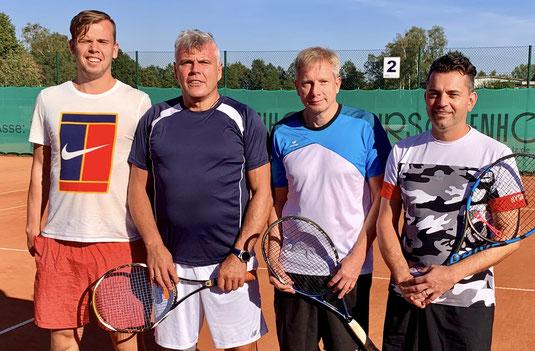Bild (v.l.n.r.): Philipp Schulte / Frank Schulte (TCB / 2. Platz) und Olaf Seemann / Heiko Saggau (TCW / 1. Platz)