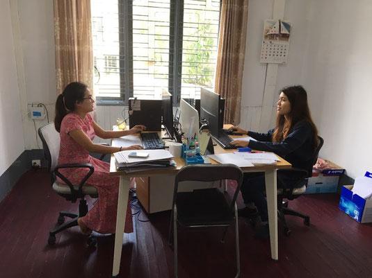 (当社の運営ラボによりミャンマー・ヤンゴンで活躍するエンジニア女性。2019年秋撮影)