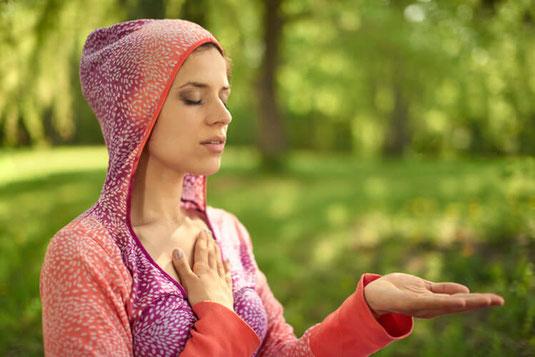 MSC Mindful Selfcompassion Achtsames Selbstmitgefühl ist ein wissenschaftlich erforschtes Verfahren, um schwierige Gefühle mit Achtsamkeit und Wohlwollen aufzulösen www.wegezumsein.com