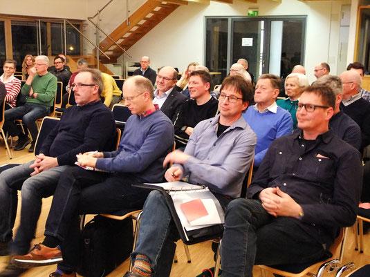 Die Mitglieder der Nordtrasse-Bürgerinitiative sind von der Alternativtrasse M&M begeistert. (Foto Doris Futterer)