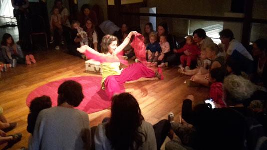 spectacle très jeune public Montessori Bébés Interactif clown Céline Hereng