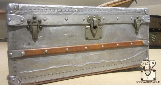 Malle cabine en aluminium Louis Vuitton