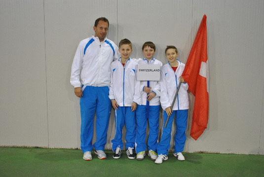 Team Schweiz U12 mit Coach Yves Allegro