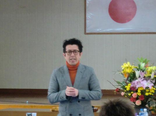 坂口拓也中央講師(鹿児島)が、地元の鹿児島県理容組合出水支部にて講習。