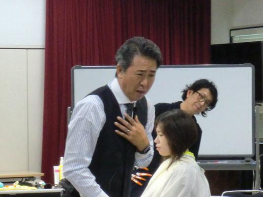 鹿児島県理容組合の講習が、本田誠一全理連名誉講師(神奈川)を招いて開催された。(2017.11.13)
