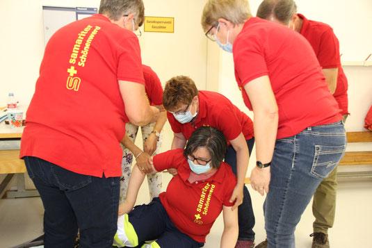 Foto: Übung Juni 2020, Thema Allergienotfall, unter Einhaltung Schutzkonzept